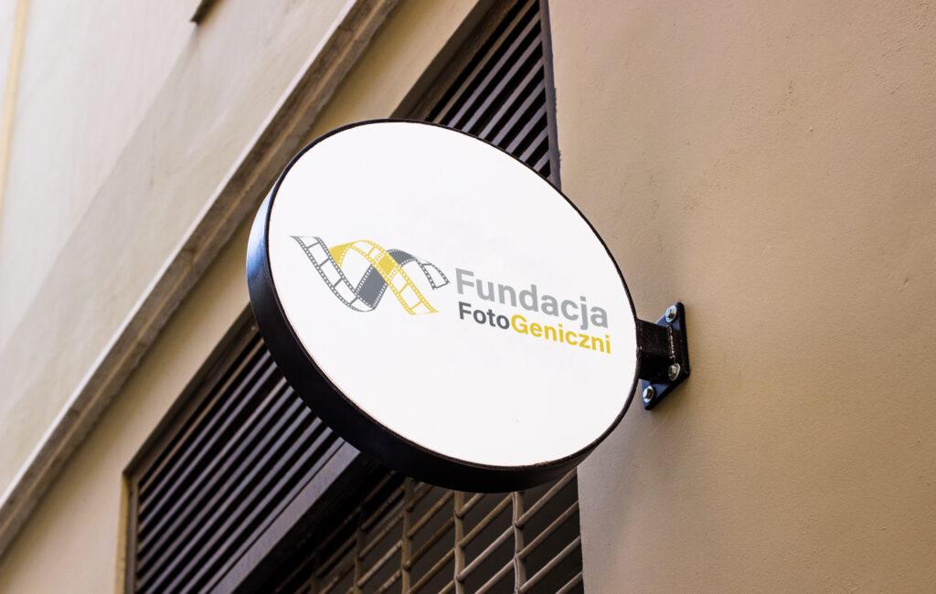 "Logotyp Fundacji ""FotoGenetyczni"""